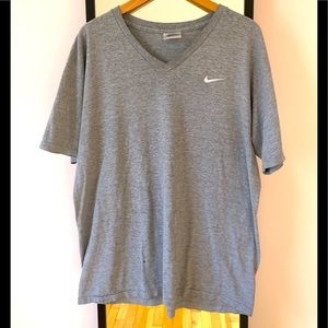 Vintage 90s Nike distressed embroidered tee shirt